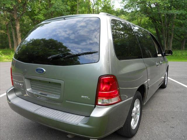 2004 Ford Freestar SEL - Wadsworth IL