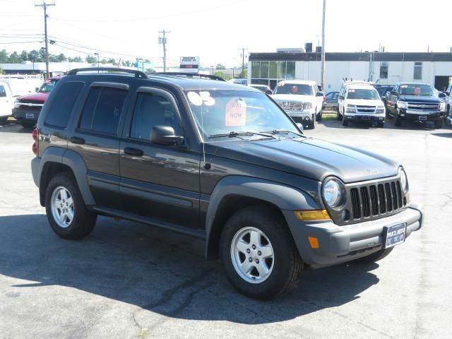 2005 jeep liberty sport 4wd in concord nh price auto sales. Black Bedroom Furniture Sets. Home Design Ideas