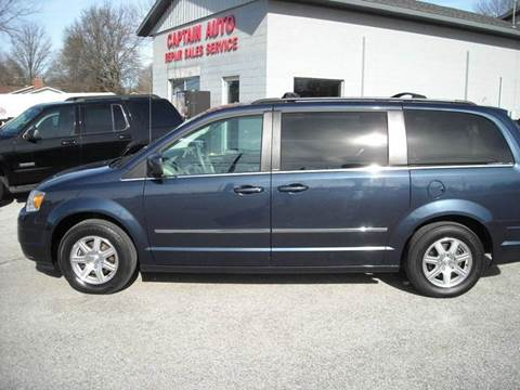 2009 Chrysler Town and Country for sale in Bluffton, IN