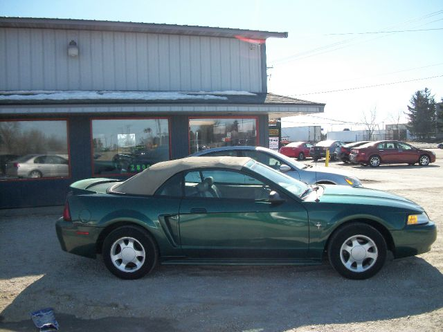 2000 ford mustang for Kenny motors morris il