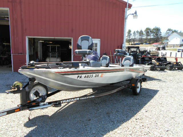 2007 Bas Tracker 170XT Aluminum Bass Fishing Boat