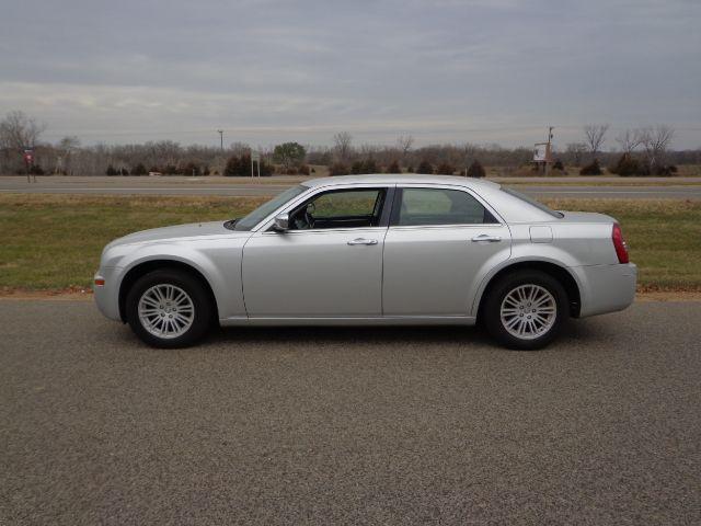 2010 Chrysler 300 for sale in Shakopee MN