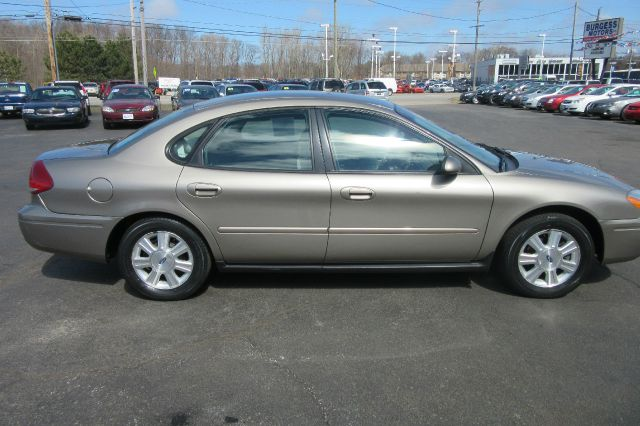 2005 ford taurus sel 4dr sedan in michigan city la porte. Black Bedroom Furniture Sets. Home Design Ideas