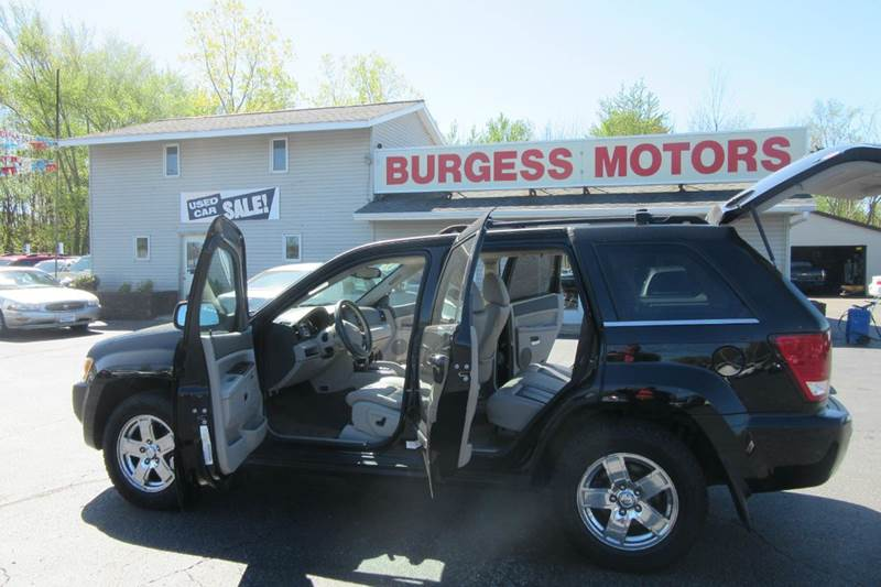 2007 Jeep Grand Cherokee 4x4 Limited Hemi - heated Leather - Sunroof - $288.41 /per month  - Michigan City IN