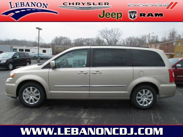 2013 Chrysler Town & Country - LEBANON, OH