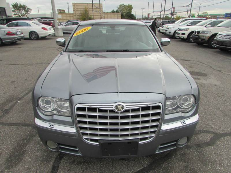 2006 chrysler 300 c 4dr sedan in dearborn mi ford road motor sales. Cars Review. Best American Auto & Cars Review