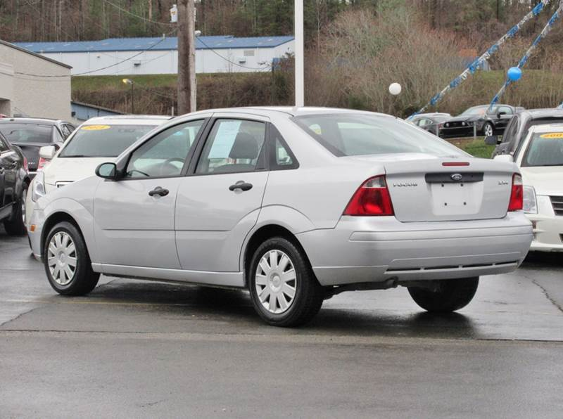 2005 Ford Focus ZX4 S 4dr Sedan - Knoxville TN