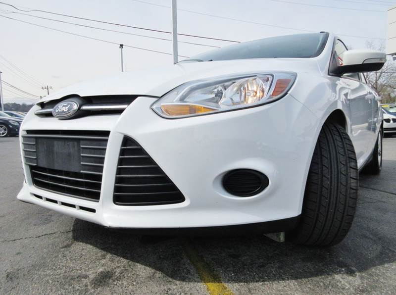 2014 Ford Focus SE 4dr Sedan - Knoxville TN