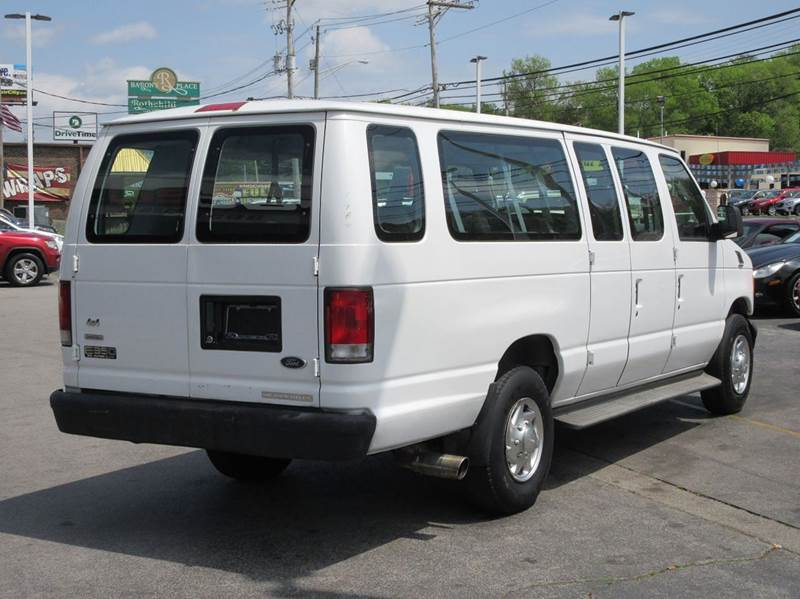 2003 Ford E-Series Wagon E-350 SD XL 3dr Extended Passenger Van - Knoxville TN