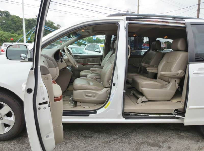 2004 Toyota Sienna XLE 7-Passenger 4dr Mini-Van - Knoxville TN