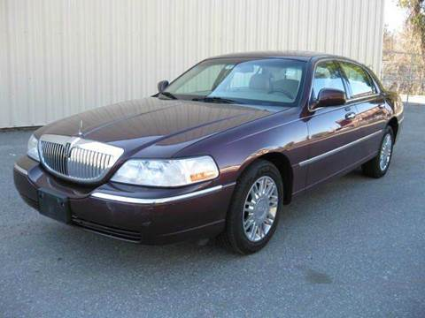 2006 Lincoln Town Car for sale in Lowell, MA