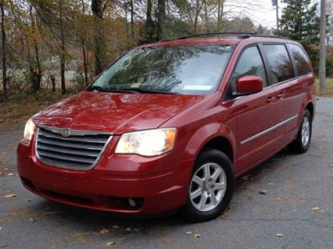 2009 Chrysler Town and Country for sale in Chesapeake, VA