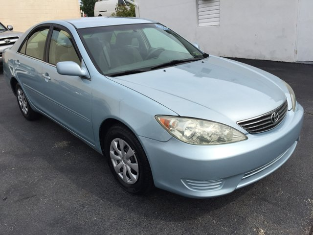 2005 Toyota Camry LE 4dr Sedan - Norristown PA