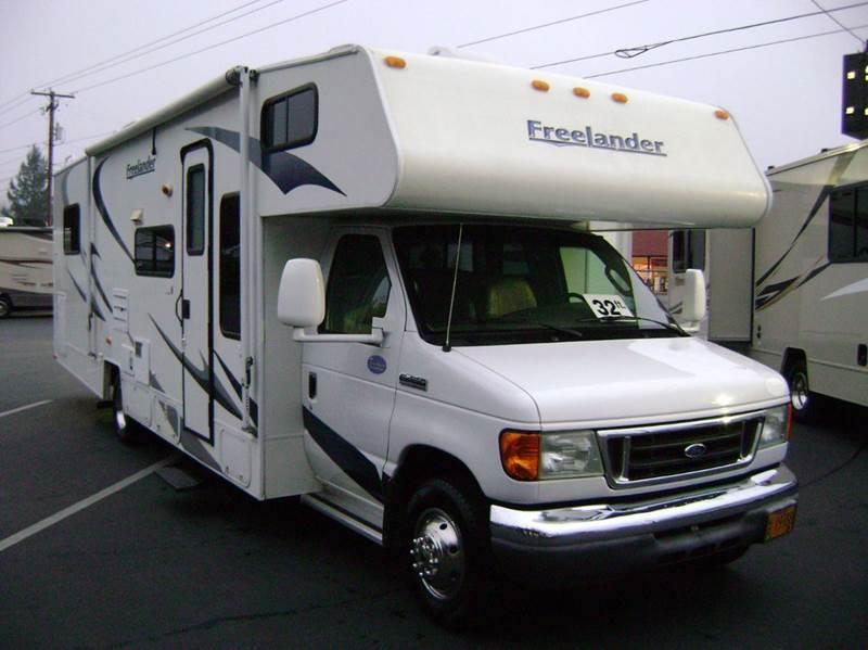 2008 Coachmen Freelander 31 / 32ft