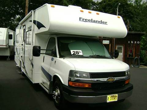 2008 Coachmen Freelander / 28ft