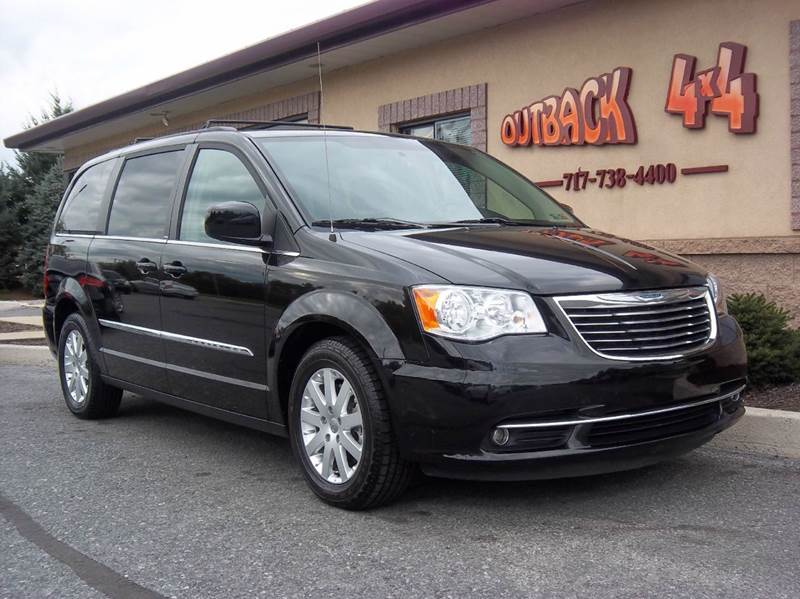 Chrysler town and country for sale in ephrata pa for Pine tree motors ephrata pa