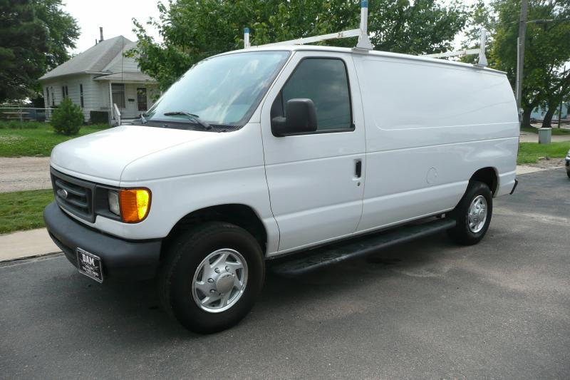 2007 ford e series cargo e 250 3dr cargo van in sioux city. Black Bedroom Furniture Sets. Home Design Ideas