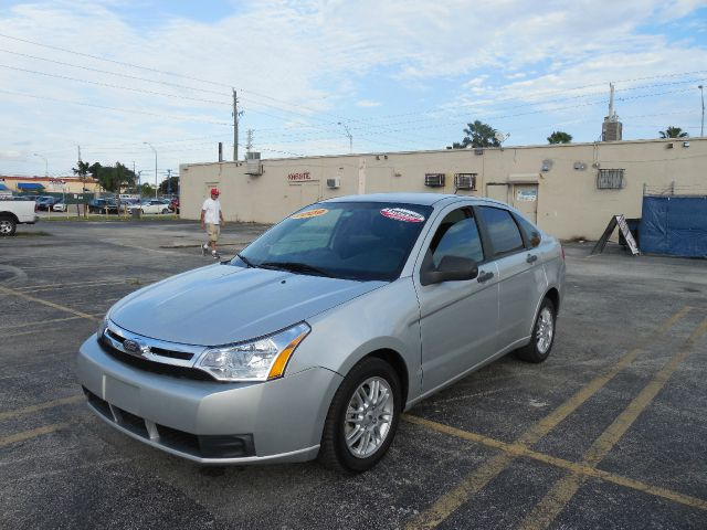 2009 FORD FOCUS SE SEDAN silver only 500 down payment guaranteed credit approval free one year