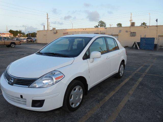 2009 NISSAN VERSA 18 S SEDAN white only 3000 down payment guaranteed credit approval call aff