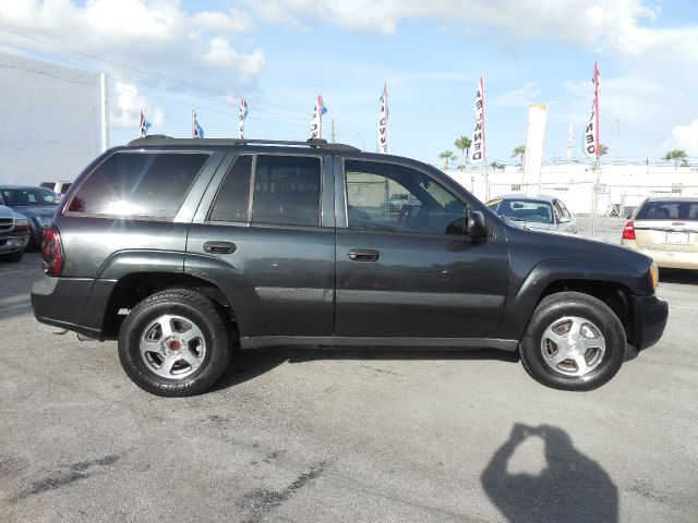 2005 CHEVROLET TRAILBLAZER LS 2WD silver down payment  one year engine warranty low payments  888