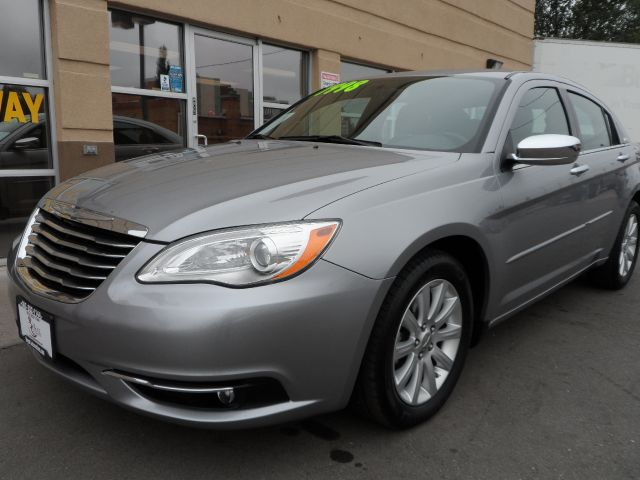 2013 Chrysler 200 for sale in Englewood CO