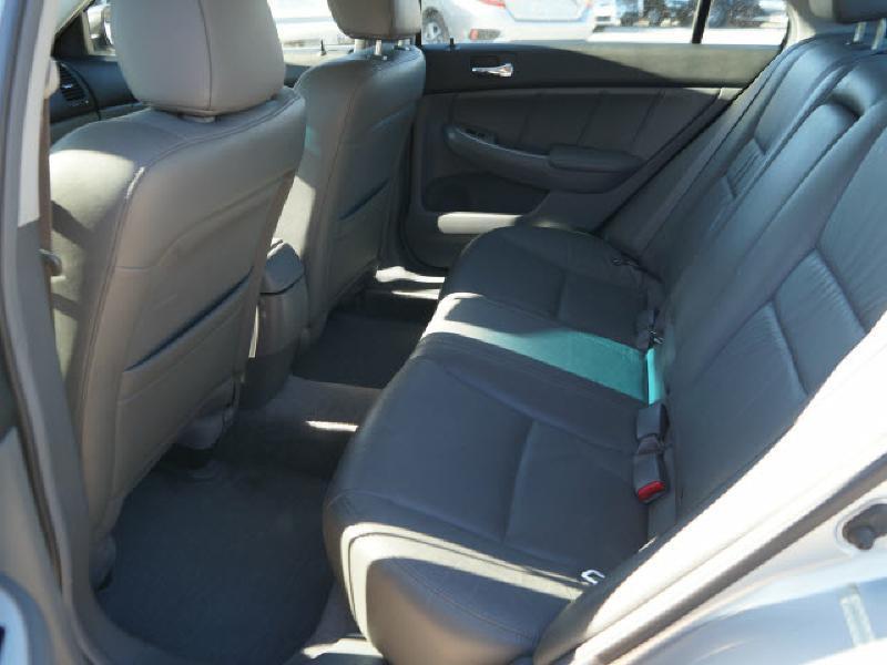 2005 Honda Accord Hybrid 4dr Sedan w/Navi - Wichita KS