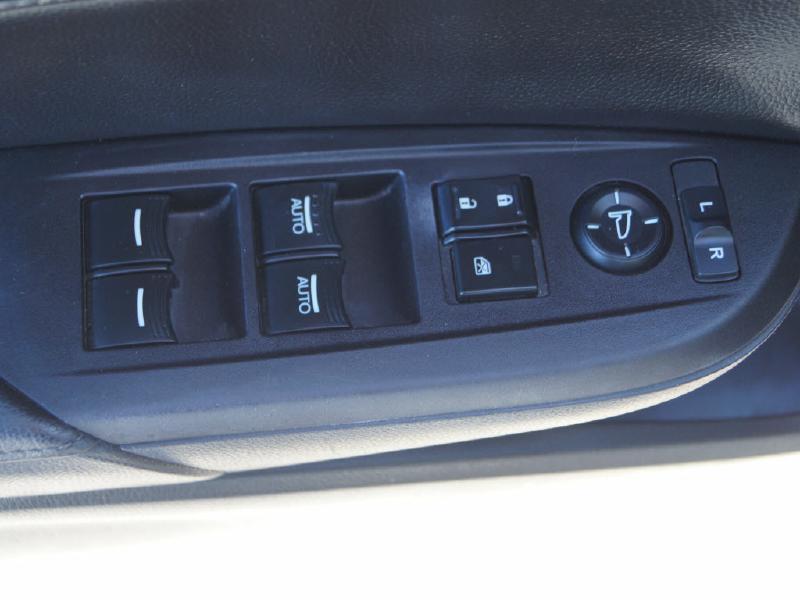 2013 Acura ILX 2.0L 4dr Sedan w/Technology Package - Wichita KS