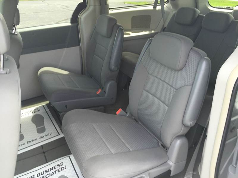 2010 Chrysler Town and Country Touring 4dr Mini-Van - Merrillville IN