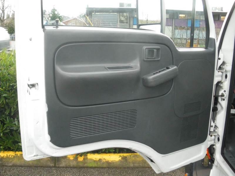 2010 Nissan UD1400  - Milwaukie OR
