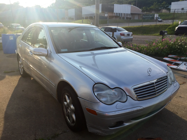 2001 mercedes benz c class c240 4dr sedan in akron oh for Mercedes benz dealer akron ohio