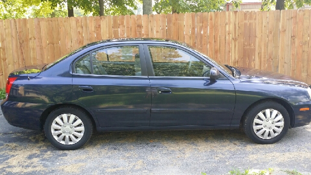 2004 hyundai elantra gls 4dr sedan in hillsboro oh m m. Black Bedroom Furniture Sets. Home Design Ideas