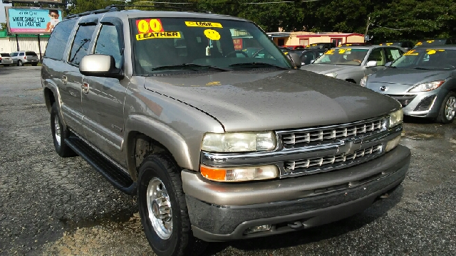 2000 CHEVROLET SUBURBAN 2500 4DR SUV tan abs - 4-wheel axle ratio - 373 daytime running lights