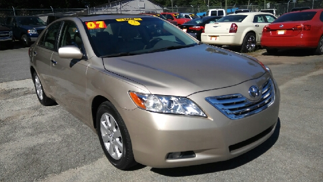 2007 TOYOTA CAMRY XLE V6 4DR SEDAN gold 2-stage unlocking doors abs - 4-wheel air filtration a