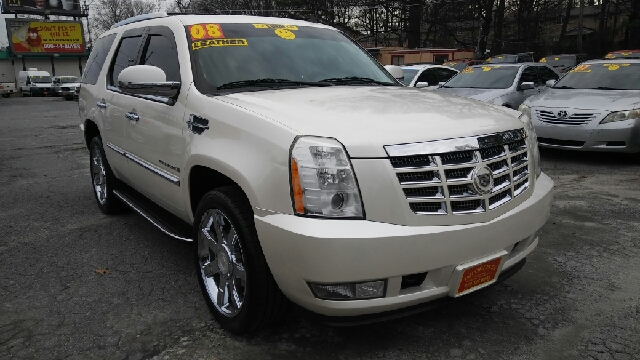 2008 CADILLAC ESCALADE BASE AWD 4DR SUV pearl 2-stage unlocking doors 4wd type - full time abs