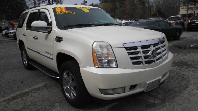 2007 CADILLAC ESCALADE BASE AWD 4DR SUV white pearl 2-stage unlocking doors 4wd type - full time
