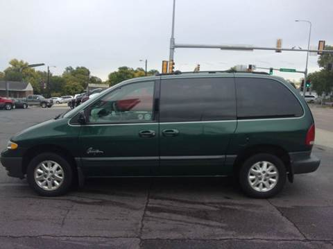 1996 Plymouth Voyager for sale in Mitchell, SD