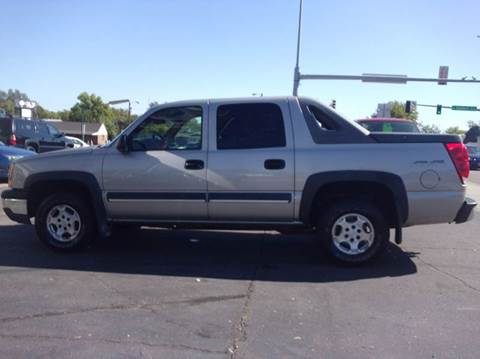 2004 Chevrolet Avalanche for sale in Mitchell, SD