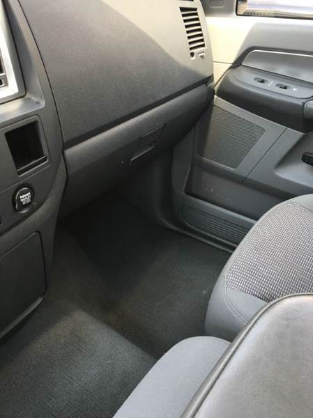 2007 Dodge Ram Pickup 1500 SLT 4dr Quad Cab 4WD SB - Jefferson City MO