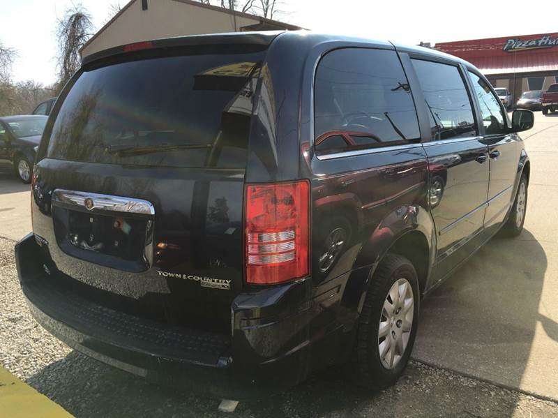 2009 Chrysler Town and Country LX Mini-Van 4dr - Jefferson City MO