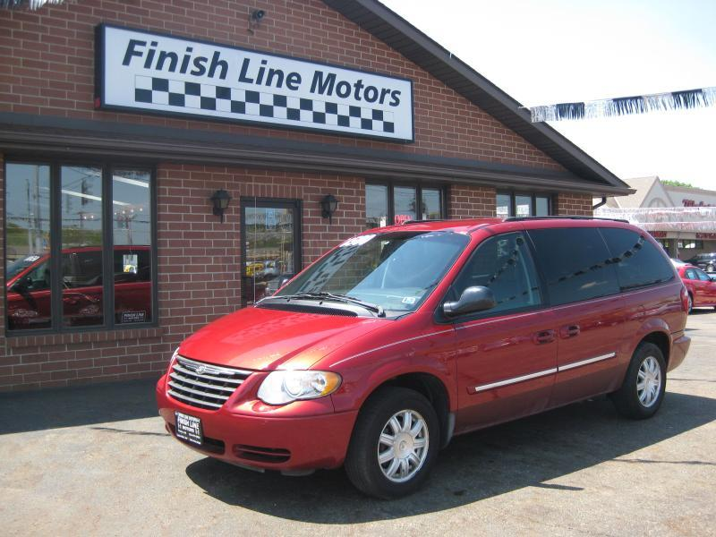 2005 Chrysler Town and Country for sale in Canton OH