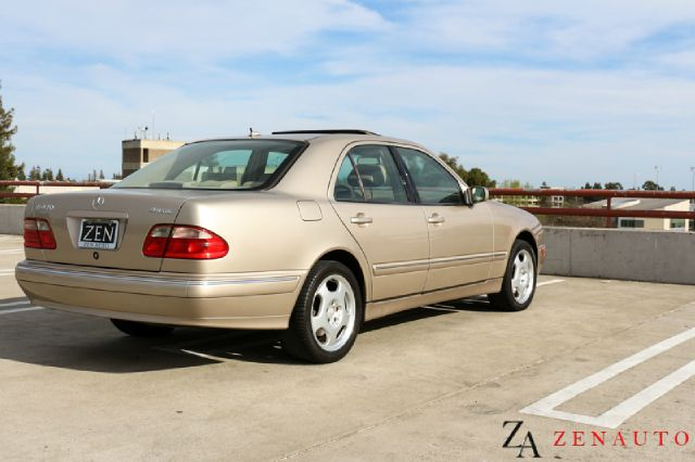 Vehicle description for 2001 mercedes benz e class sedan