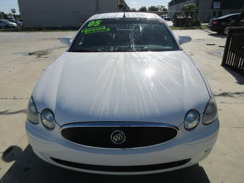 2005 Buick LaCrosse CXS 4dr Sedan w/ Front and Rear Head Airbags - Punta Gorda FL