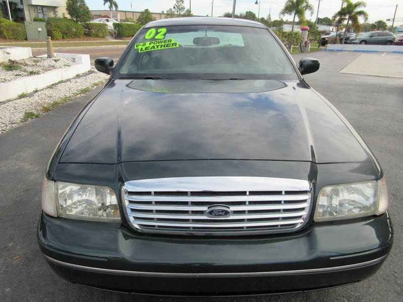 2002 Ford Crown Victoria LX 4dr Sedan - Punta Gorda FL
