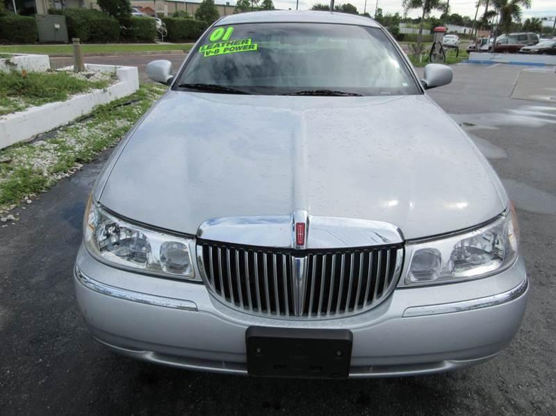 2001 Lincoln Town Car Signature 4dr Sedan - Punta Gorda FL