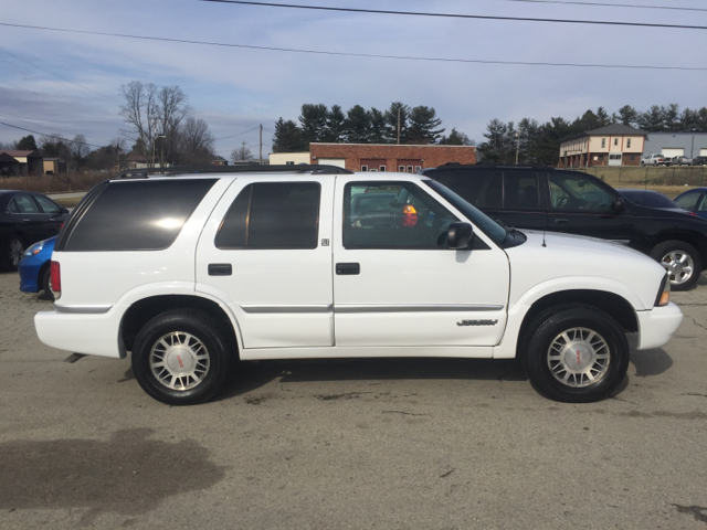 2000 gmc envoy base 4dr 4wd suv in uniontown pa route 21. Black Bedroom Furniture Sets. Home Design Ideas
