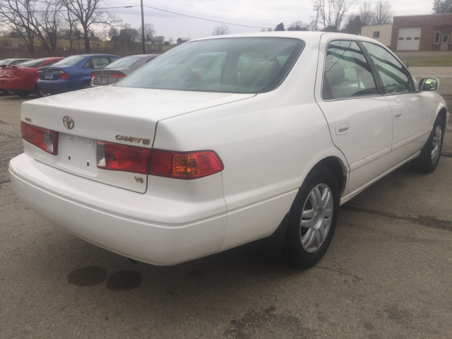 2000 toyota camry le v6 4dr sedan in uniontown pa route 21 auto sales. Black Bedroom Furniture Sets. Home Design Ideas