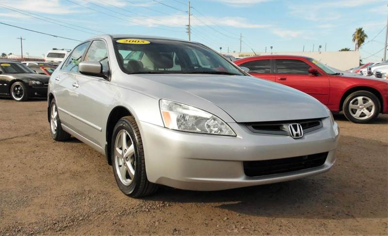 2005 HONDA ACCORD EX 4DR SEDAN silver the 2005 honda accord is safe and very dependable vehicle s