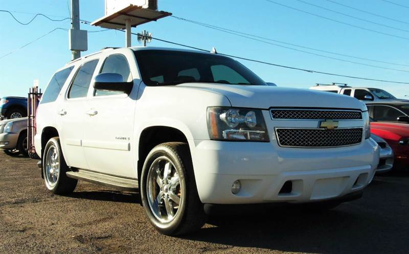 2008 CHEVROLET TAHOE LTZ 4X2 4DR SUV white this 2008 chevrolet tahoe ltz is a comfortable and dep
