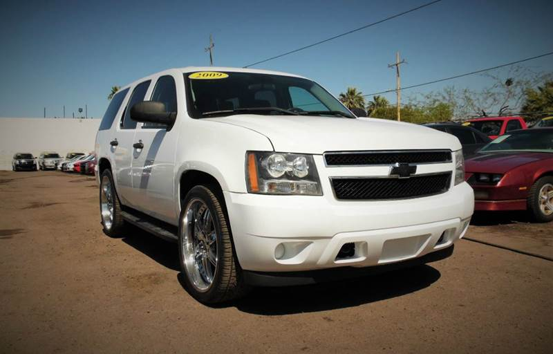 2009 CHEVROLET TAHOE POLICE 4X2 4DR SUV white this 2009 chevrolet tahoe is very dependable and gr