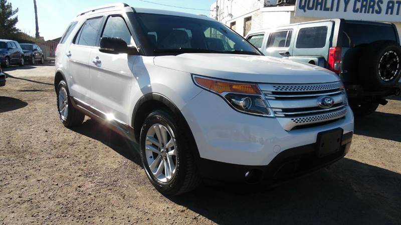 2013 FORD EXPLORER XLT 4DR SUV white this fantastic 2013 ford explorer xlt  has amazing features